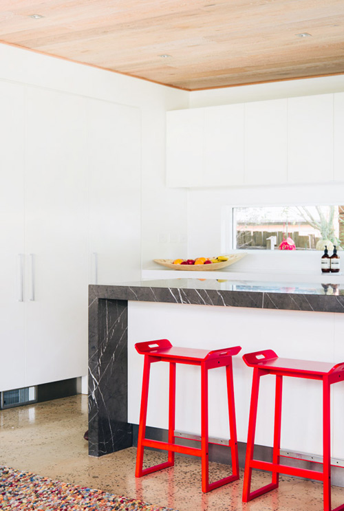 a-splash-of-colour-red-stools-kitchen-bench-bar