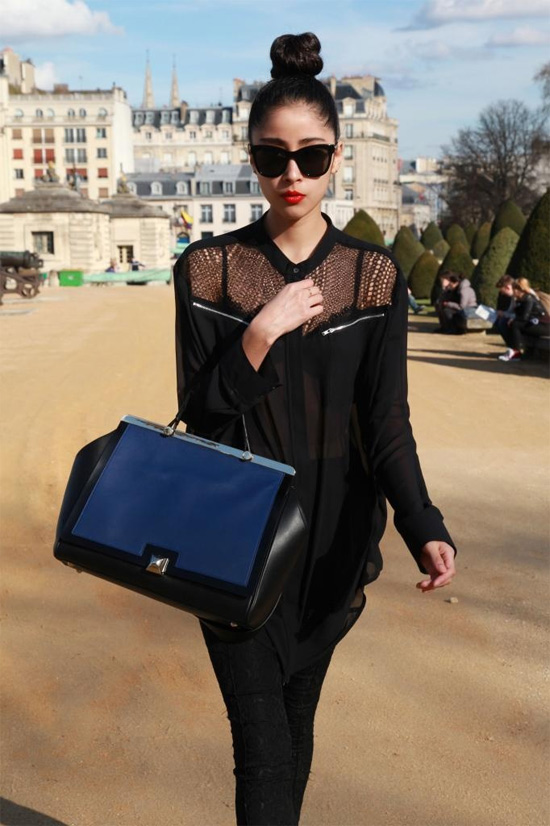 black outfit large handbag