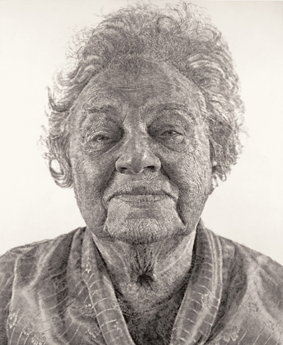 Fanny-Fingerpainting-Chuck-Close-portrait