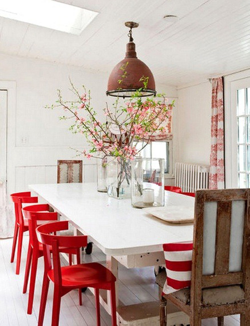 red-chairs-in-dining-room