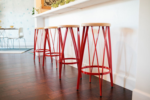 red-stools-kitchen-bright-colour